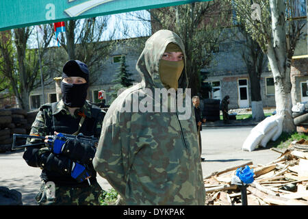 Sloviansk, Ukraine. 21st Apr, 2014. In photo: Militians have stopped the photographer. Sloviansk. PH Cosimo Attanasio - Stock Photo