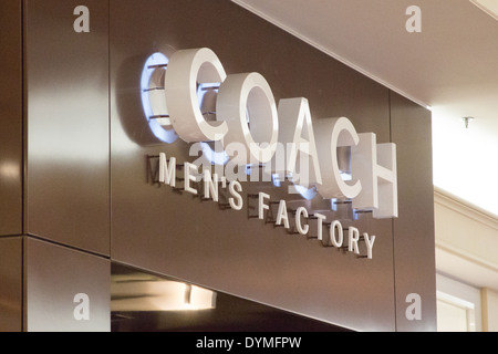 coach at premium outlets sm52  Coach Factory Store at the Niagara Falls Fashion Outlet Mall, NY