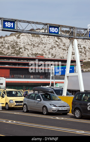 Passengers, with their vehicles,  waiting  at Dover Eastern Docks, to be loaded abord  the P&O,  Car Ferry. 'Pride - Stock Photo
