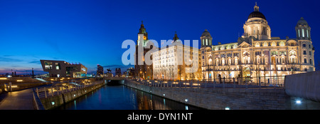 Panoramic view of Liverpool taking in sights including the Royal Liver Building, Port of Liverpool Building and - Stock Photo