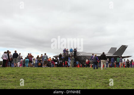 Canberra, Australia. 6th Apr, 2014. Visitors queue up to have a close look at a F-35 model shown at the Canberra - Stock Photo