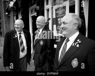 Newcastle upon Tyne, England, UK.  23rd April, 2014.   Royal Regiment of Fusiliers' veterans, Les Farthing, Carl - Stock Photo