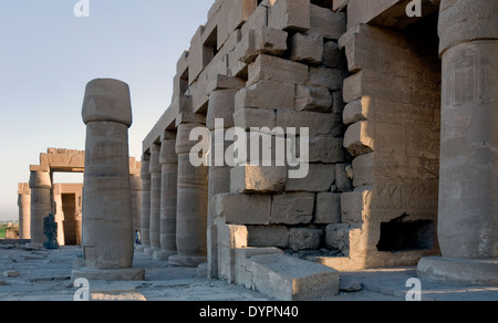 Ramesseum : the funeral temple of pharaoh Ramses II the Great(1303-1213 b.C. XIX dyn.). View of lateral side of - Stock Photo