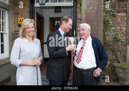 Coleford, Gloucestershire, UK. 24th Apr, 2014. HRH Prince Edward and The Countess of Wessex pose with Forest of - Stock Photo