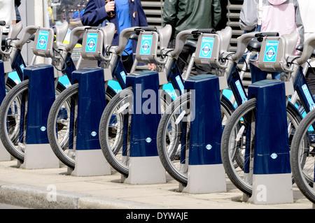 London, England, UK. Boris Bikes - Barclays hire cycles. Docking station in Drury Lane - Stock Photo