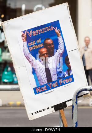 London, UK. 26th Apr, 2014. Placard about Mordechai Vanunu during the vigil to mark the 10th anniversary of Vanunu - Stock Photo