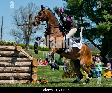 Lexington, MD, USA. 26th Apr, 2014. April 26, 2014: REVE DU ROUET, ridden by Sarah Bullimore (GBR), competes in - Stock Photo