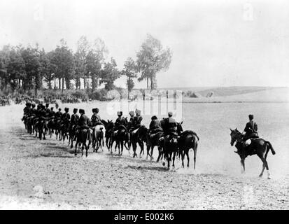 Belgain cavalry unit withdraws from action, 1914 - Stock Photo