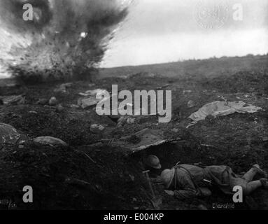 French soldiers in shell craters at Verdun, 1916 - Stock Photo