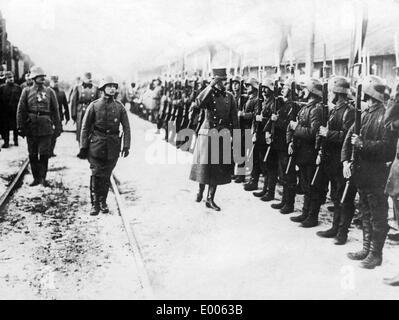 Emperor Karl I. greets German troops, 1917 - Stock Photo