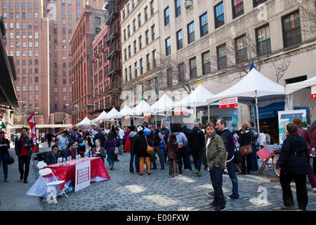 New York, USA. 27th Apr, 2014. Street scene at the TriBeCa Family Festival, as part of the TriBeCa Film Festival, - Stock Photo