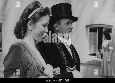 Schuetzenfest ('marksmen's festival') royal couple in Endorf in the Sauerland, 1950 - Stock Photo