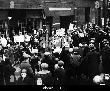 Global economic crisis: Unemployed demonstrators in Chicago, 1931 - Stock Photo