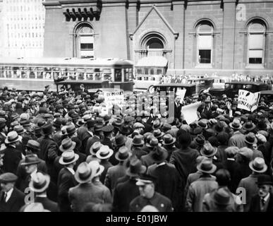 Global economic crisis: Unemployed demonstrators in Philadelphia, 1930 - Stock Photo