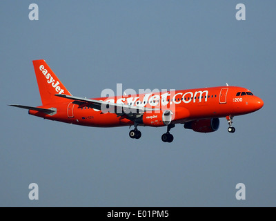 G-EZUI easyJet Airbus A320-214 - Stock Photo