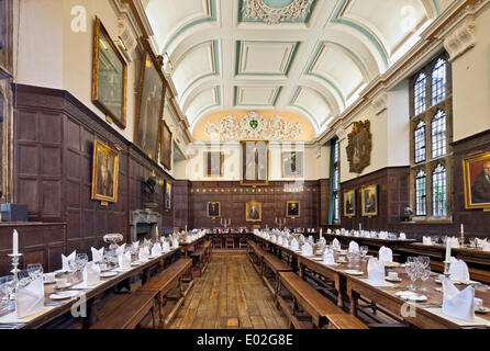 Jesus College Oxford, Oxford, United Kingdom. Architect: N/A, 1571. Dining Hall laid out for banquet. - Stock Photo