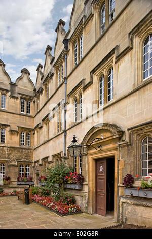 Jesus College Oxford, Oxford, United Kingdom. Architect: N/A, 1571. Courtyard. - Stock Photo