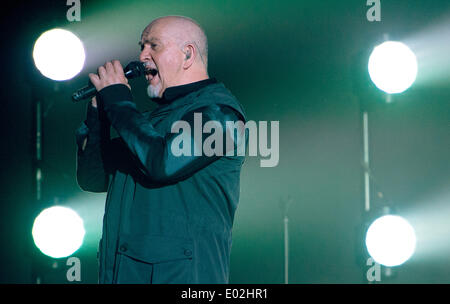 Frankfurt Main, Germany. 29th Apr, 2014. British singer-songwriter Peter Gabriel performs onstage during a concert - Stock Photo