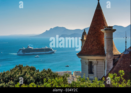 Europe, France, Alpes-Maritimes, Cannes. Cruise ship in a bay of Cannes. - Stock Photo
