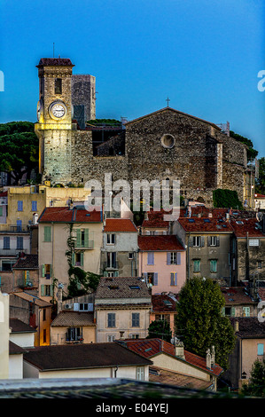Europe, France, Alpes-Maritimes, Cannes. Suquet, church at dusk. - Stock Photo