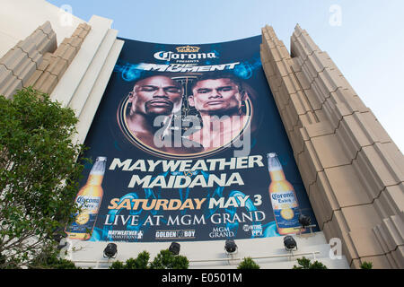 Las Vegas, Nevada, USA. 2nd May 2014. View of MGM Grand Las Vegas. A large advert for the May 3rd 2014 fight between - Stock Photo
