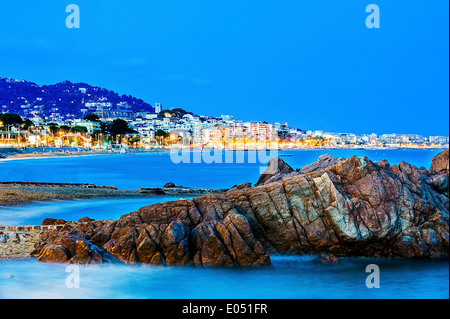 Europe, France, Alpes-Maritimes, Cannes. Bay of Cannes at dusk. - Stock Photo