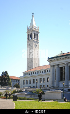 U.C. Berkeley's Campanile tower on a clear day. - Stock Photo