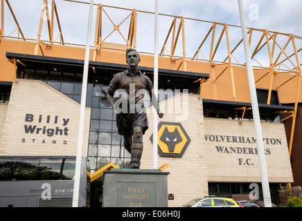 The Billy Wright statue outside stand and front entrance to Molineux stadium for Wolverhampton Wanderers football - Stock Photo