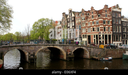 Bridge and old Dutch gabled houses where Prinsengracht meets Brouwersgracht canal in Amsterdam, Jordaan area, The - Stock Photo