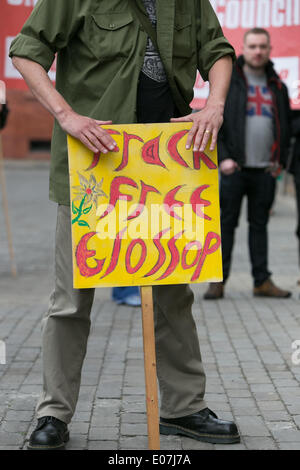 Salford, Manchester, UK. 5th May 2014. Demonstrators marched from Bexley Square in Salford to Cathedral Gardens - Stock Photo