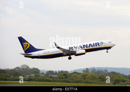 A Ryanair Boeing 737 taking off at Manchester Airport. - Stock Photo