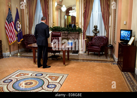 US President Barack Obama has a private moment before he delivers the State of the Union address at the U.S. Capitol - Stock Photo