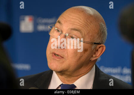 Brussels, Bxl, Belgium. 6th May, 2014. French Finance Minister Michel Sapin talks to the press after the Ecofin - Stock Photo