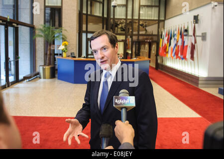 Brussels, Bxl, Belgium. 6th May, 2014. British Chancellor of the Exchequer George Osborne talks to the press after - Stock Photo