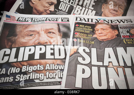 Headlines of New York tabloid newspapers report on Donald Sterling - Stock Photo