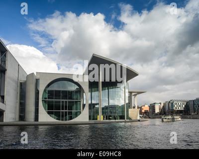 River Spree in front of the german Chancellery (Bundeskanzleramt) in Berlin - Stock Photo