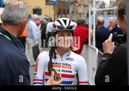 Northampton, UK . 07th May, 2014. Lizzie Armitstead GB finished 6th position. 95 riders took part in the 1st leg - Stock Photo