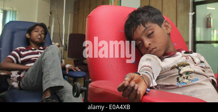 LAHORE, PAKISTAN-MAY 7: Pakistani Thalassemia affected children patients being treated by blood transfusion at Fatmeed - Stock Photo