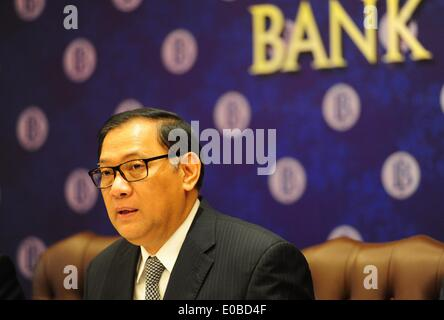Jakarta, Indonesia. 8th May, 2014. Indonesia's Central Bank Governor Agus Martowardojo attends a press conferences - Stock Photo