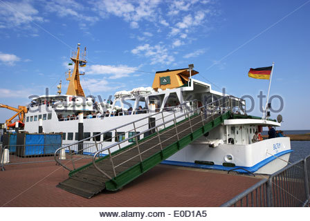 A ferry gangplank awaits passengers bound for Insel Baltrum, one of the East Friesland islands on Germany's North - Stock Photo
