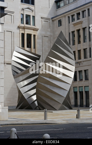 A modern sculpture, 'Angel's Wings' by Thomas Heatherwick in Bishops Court, near St Paul's Cathedral, London, England. - Stock Photo