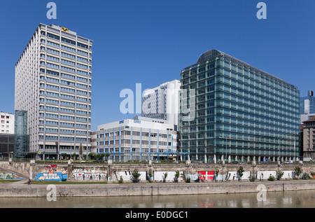IBM Firmengebäude, OPEC, Raiffeisen, Wien, Österreich - IBM Building, OPEC, Raiffeisen, Vienna, Austria - Stock Photo