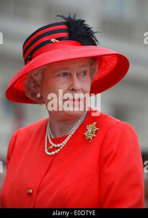 Britain's Queen Elizabeth II Golden Jubilee celebrations in London 2002 - Stock Photo