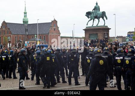 Copenhagen, Denmark, 10th May, 2014. Danish neo-Nazi party (Denmark Nationale Front, DNF) demonstration in front - Stock Photo