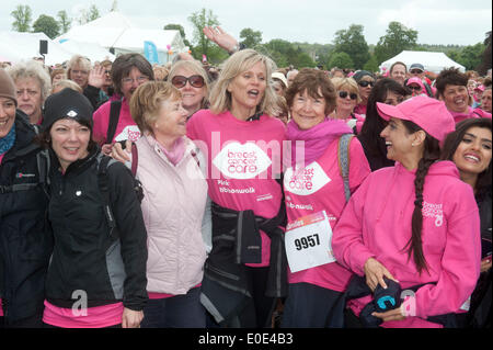 Linda Barker,  took part in the Pink Ribbon walk - 10 mile walk around grounds of World Heritage site Blenheim Palace - Stock Photo