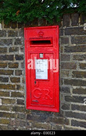 Vintage GR post box on wall, The Hythe, Egham, Surrey, England, United Kingdom - Stock Photo