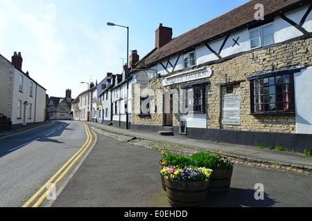Market Tavern, Daventry Street, Southam, Warwickshire, England, United Kingdom - Stock Photo