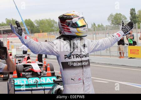 Circuit de Barcelona-Catalunya, Barcelona, Spain. 11th May, 2014. Lewis Hamilton of Great Britain and Mercedes AMG - Stock Photo