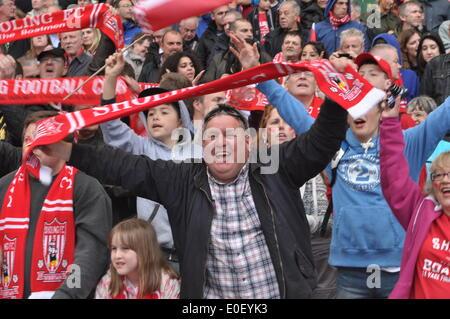 London, UK. 10th May, 2014. Sholing  FC  fans celebrate winning the 2014 FA Vase at Wembley Stadium, London, UK. - Stock Photo