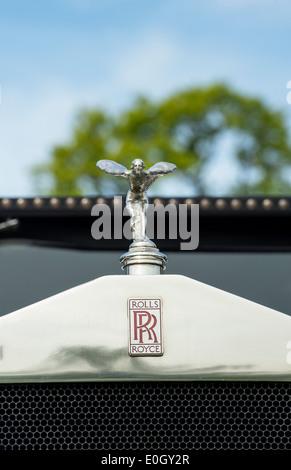 Rolls Royce, Spirit of Ecstasy, hood ornament on this Classic vintage british car - Stock Photo